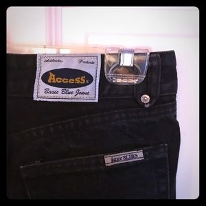"""Access basic blue jeans"""